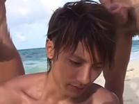 イケメン集団が夏の海で乱交アナルファック