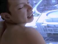 青年を立ちバックで突きまくっているハメ撮り動画は臨場感があって好き