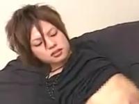中性的な美少年のオナニー セクシーな表情で大量射精