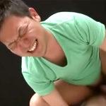 素朴な青年のムチムチのお尻と肛門がペニスをギッチリ締めつける
