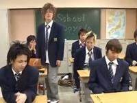 エッチな男子校の日常!教室で乱交しちゃうイケメンな男子生徒たち