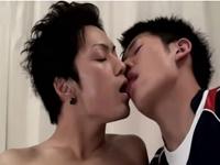 イケメンスポーツマンのゲイ動画!美少年の3Pセックス