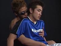 ポジションはDFっぽいユニフォーム姿のサッカー少年とエッチ