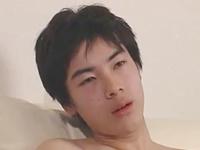清純無垢な黒髪男子の意外とスケベなオナニー動画