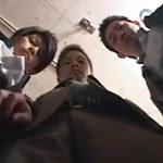 スーツのイケメン三人組がアナルを掘り合う3Pゲイ動画