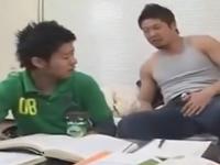 体育会系の家庭教師と教え子のBL 先生の秘密を握った教え子がゲイプレイを強要