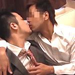 30代の男の魅力とエロスが濃厚に混ざり合うロマンチックなゲイプレイ