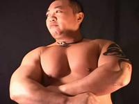 ガチムチな大人の男達が濃厚に絡み合うゲイ動画