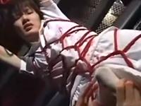 緊縛と蝋燭責めで勃起する少年!調教されたアナルを掘られて射精する本物のドM